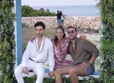 - White Ostuni Beach Club